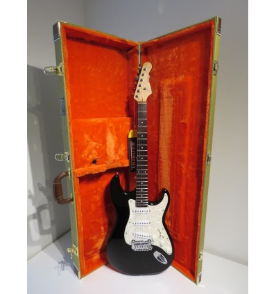 G&L Legacy Tribute Series Electric Guitar with Tweed Hard Case